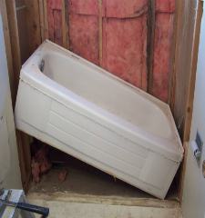 Green Guys Junk Removal provides bathtub removal in venice fl